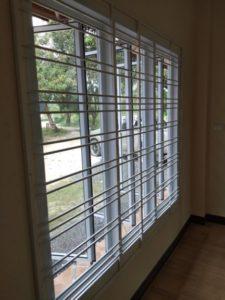 แถบหน้าต่างขนาดใหญ่ ป้องกันห้อง
