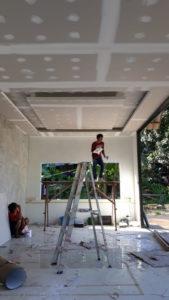 ทำเพดาน ติดตั้งเพดานเกาะสมุย เพดานสูง สีขาว เพดานติดตั้ง ออกเเบบเพดาน เพดานสองชั้น เพดานทาสี
