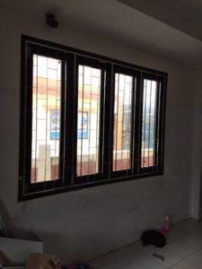 แถบหน้าต่างสี่คอลัมน์ บาร์รักษาความปลอดภัยในห้องนั่งเล่น ติดตั้งได้ ปรับปรุงได้
