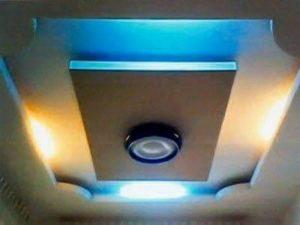 เพดานที่มีคุณภาพ มีไฟ้ ไฟนีออน กระจกไฟ