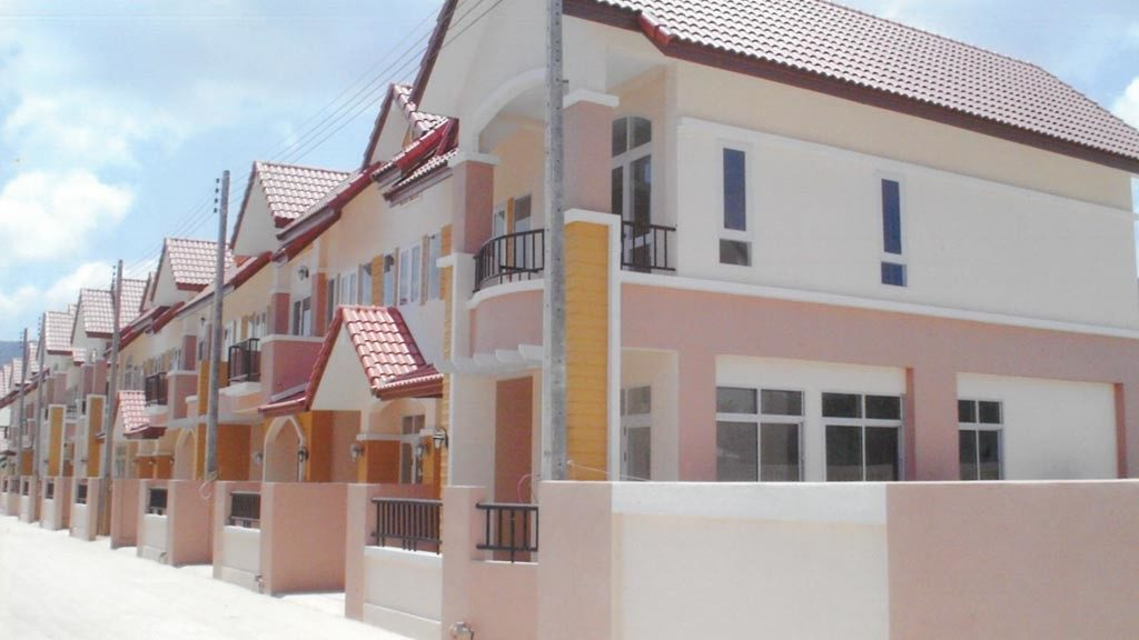 beautiful cream color painted town houses in Lipanoi beach of koh samui.