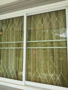 แถบความปลอดภัยหน้าต่างบานเลื่อน กรอบอลูมิเนียม
